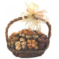 Classic Gift Basket by Wafi Gourmet