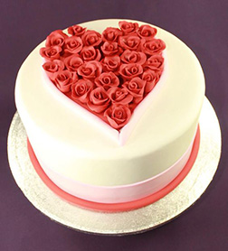Classic Rose Heart Valentine's Cake