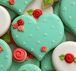Cyan Green Heart With Roses Cookies