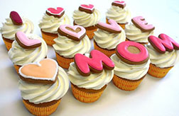 I Love Mom Cupcakes - Half Dozen