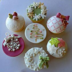 Chic White Christmas - Dozen Cupcakes