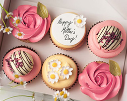 Beautiful Love Mom Cupcakes