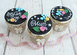 Mother's Day Chalkboard CupCakes