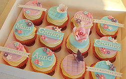 Woman Of My Life CupCakes