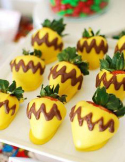 Easter Cheer Dipped Strawberries