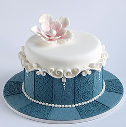 Time and Elegance Cake