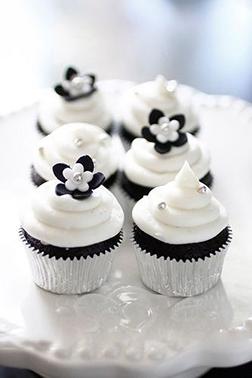 Black And White Delight Dozen Cupcakes