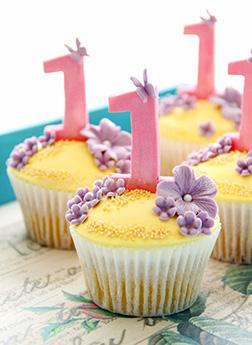 Lavendar Flourish Dozen Cupcakes