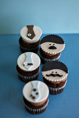 Classy Stache Father's Day Cupcakes