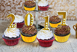 Golden Year Dozen (12) Cupcakes