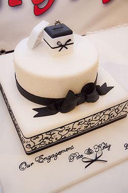 Classic Ringbox Cake