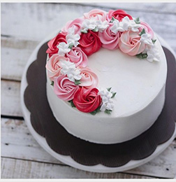Rose Wreath  Cake