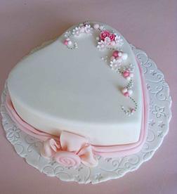 Soft Roses Valentine Cake