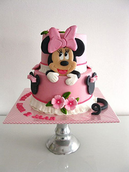 Elegant Minnie Mouse Tiered Cake