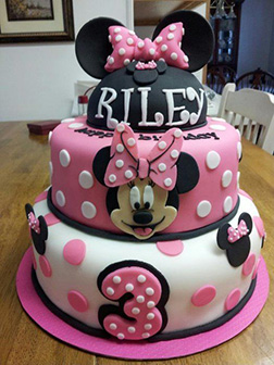 Minnie Mouse Hat Cake