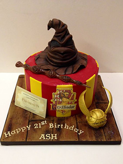 Gryffindor Themed Cake 1