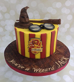 Gryffindor Themed Cake 2