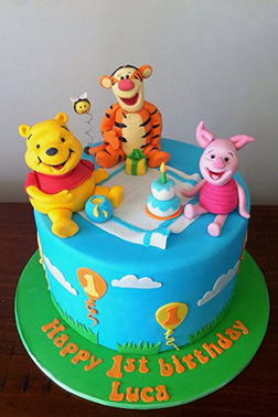 Winnie the Pooh & Friends Picnic Party Cake