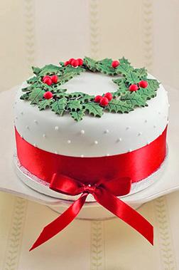 Royal Christmas Wreath Cake