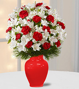 Gorgeous Greetings Holiday Bouquet