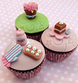 Baker's Treat Dozen Cupcakes