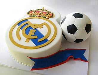 Real Madrid CF Emblem Cake