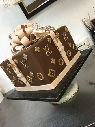 cc27afe86730 Louis Vuitton Trunk Cake