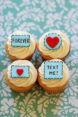 Love Notes Valentine's Day Dozen Cupcakes