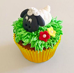 Happy Sheep Cupcakes