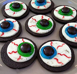 Eyeball Halloween cookies