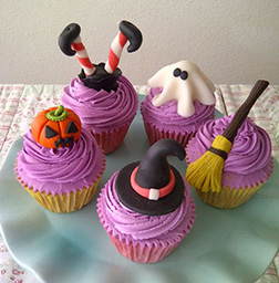 Halloween House Warmers Cupcakes