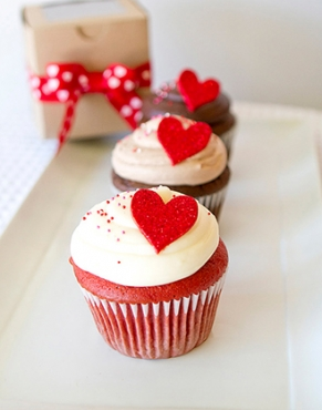 A Place In My Heart - 6 Cupcakes