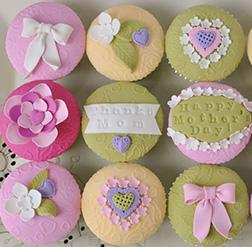 Vintage Hearts Cupcakes