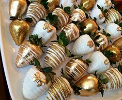 Touch Of Gold Dipped Strawberries