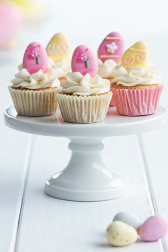 Ornamental Egg Hunt Cupcakes