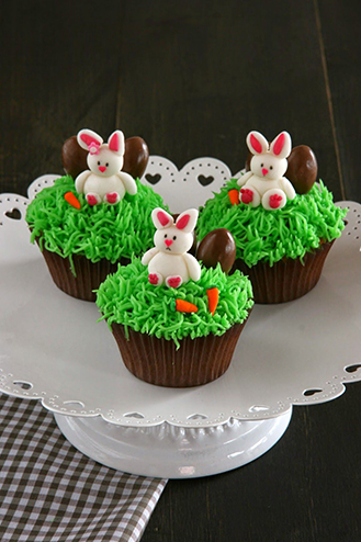 Grass is Greener Easter Cupcakes