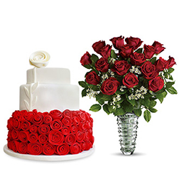 Romance of Roses - Natchman Slice Vase With Bed of Roses Cake