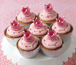 Queen's Pink Treat - Dozen Cupcakes