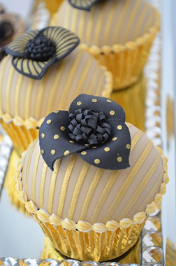 Fancy Corsage Dozen Cupcakes