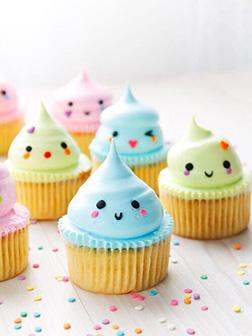 Emoji Kisses Cupcakes