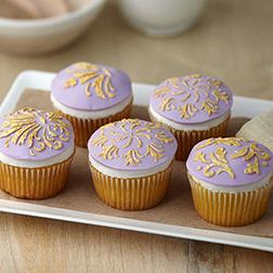 Gold Leaf Motif Cupcakes