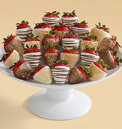 Christmas Gold Dipped Strawberries