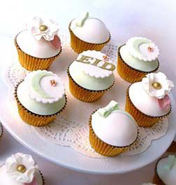 Pristine White Eid Cupcakes