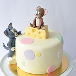 """Tom and Jerry """"Big Cheese"""" Cake"""