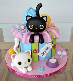 Posh Kitty Cake