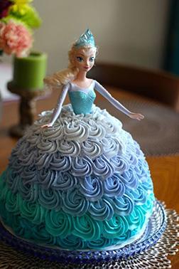 Queen Elsa Doll Cake