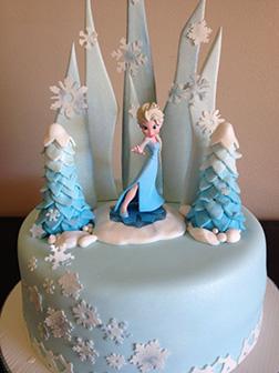 Snow Queen Elsa Cake 1