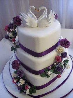 Kissing Swans Love Cake