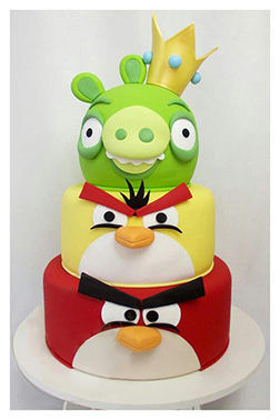 King Pig Angry Birds Cake