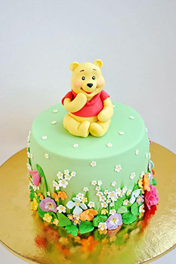 Winnie the Pooh Floral Cake